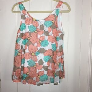 🎀3 for $20 West moon floral tank sale size small